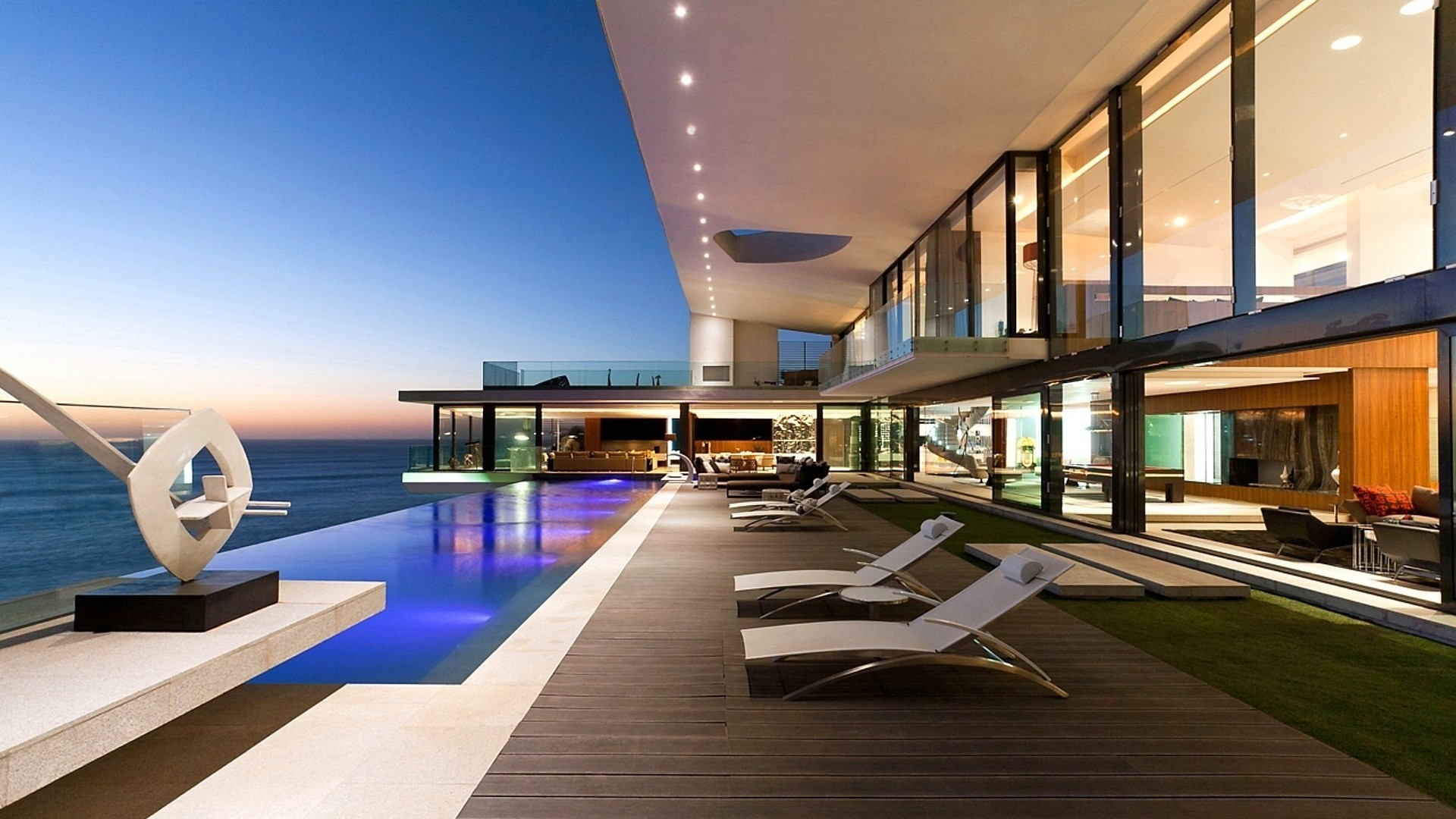 International real estate for Luxury house